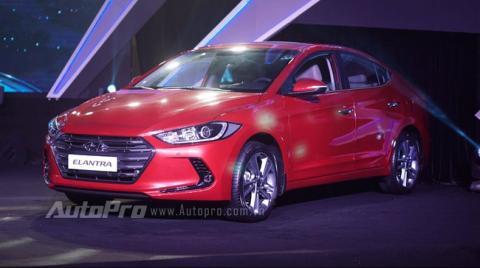 Hyundai Elantra 2016 thách thức Mazda3 bằng giá 615 triệu Đồng tại Việt Nam