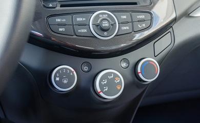 Chevrolet-Spark-2016-35